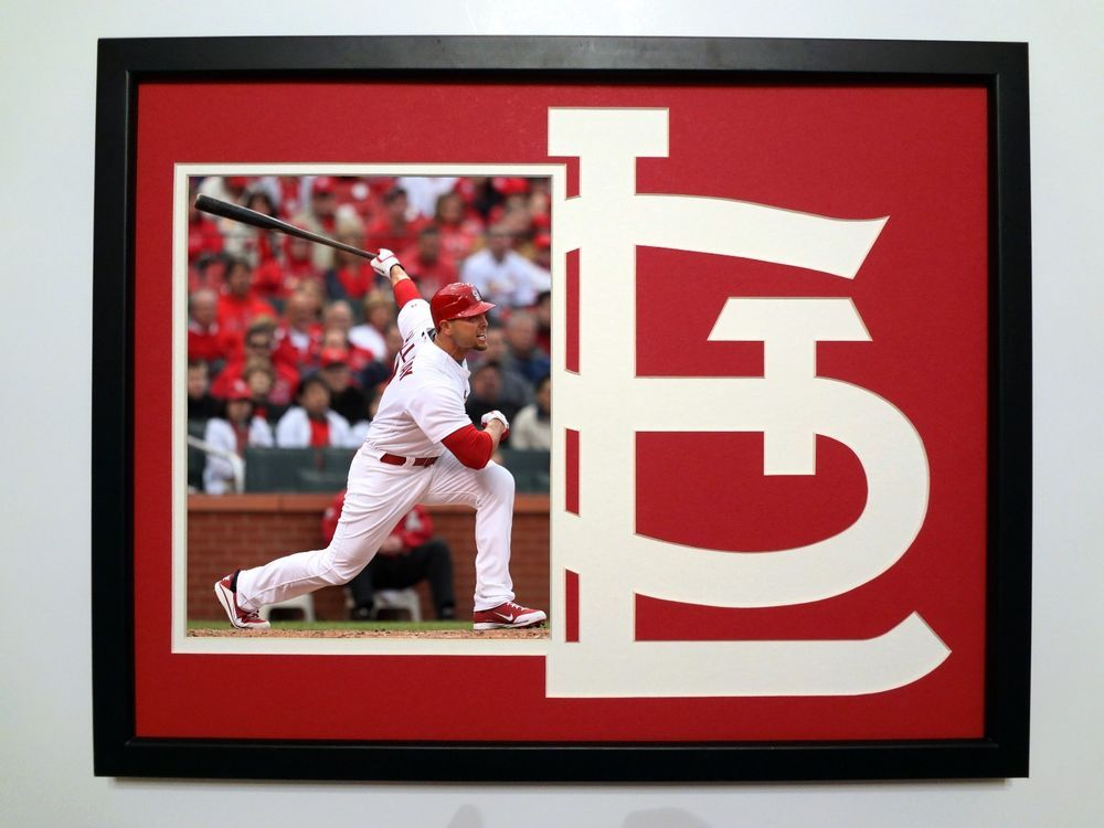 St. Louis Cardinals Mat. For autographed photo. Great