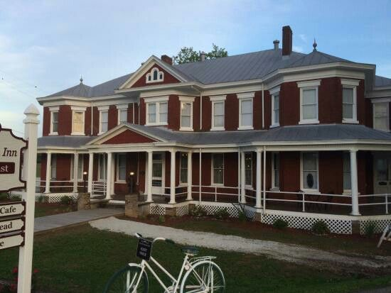 Grand Victorian Inn And Mammoth Cave Railway Cafe Park City