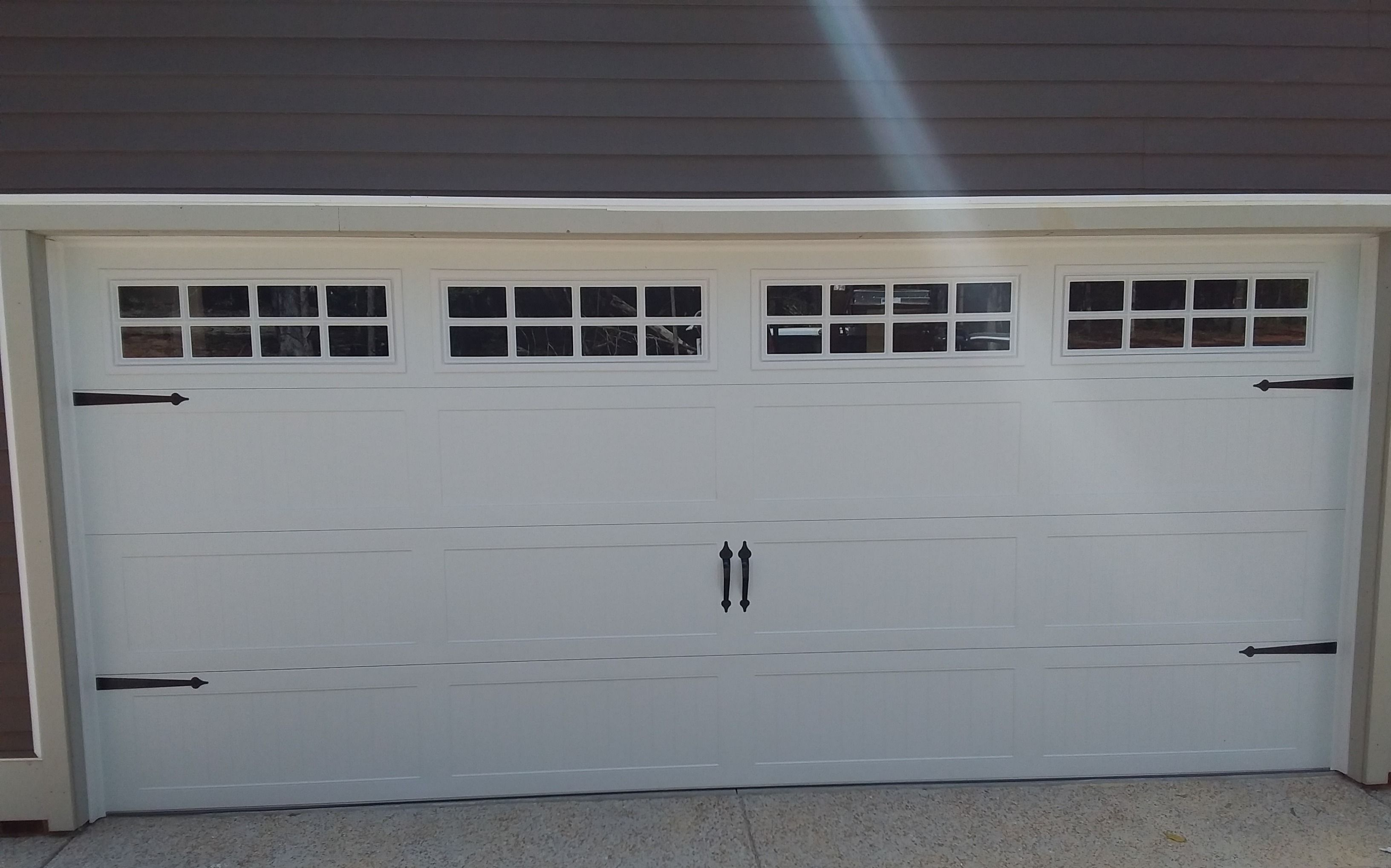 16x7 Model 5951 Carriage Style Garage Door With Top Stockton Glass Installed By The Richmond Store Teamappled Garage Doors Carriage Style Garage Doors Doors
