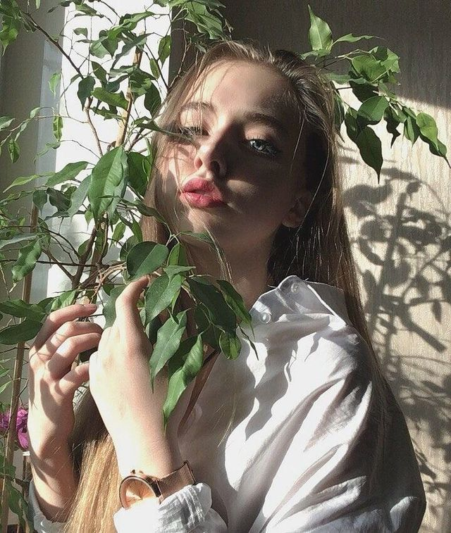 cnsnwayne green aesthetic🐍 Aesthetic girl, Portrait