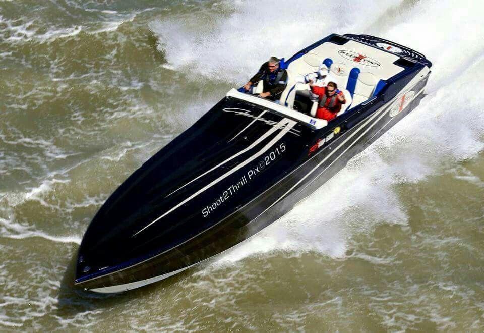 black-beauty-boat