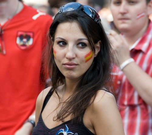 Beautiful Spanish Fans Of Euro 2012  Istoryadista  Fifa -4541