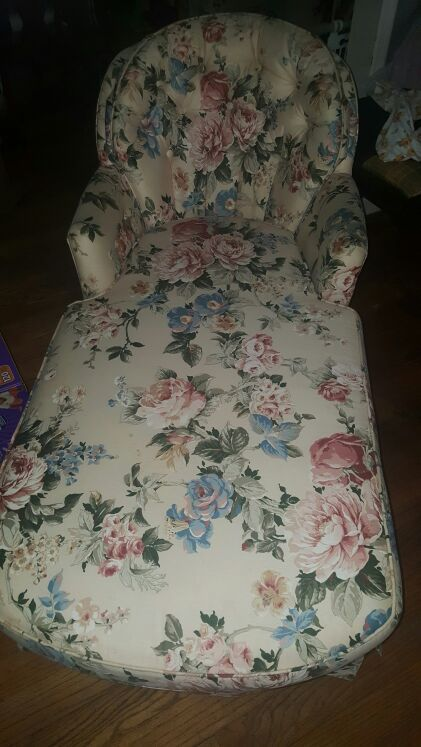 Sam Moore Floral Chaise