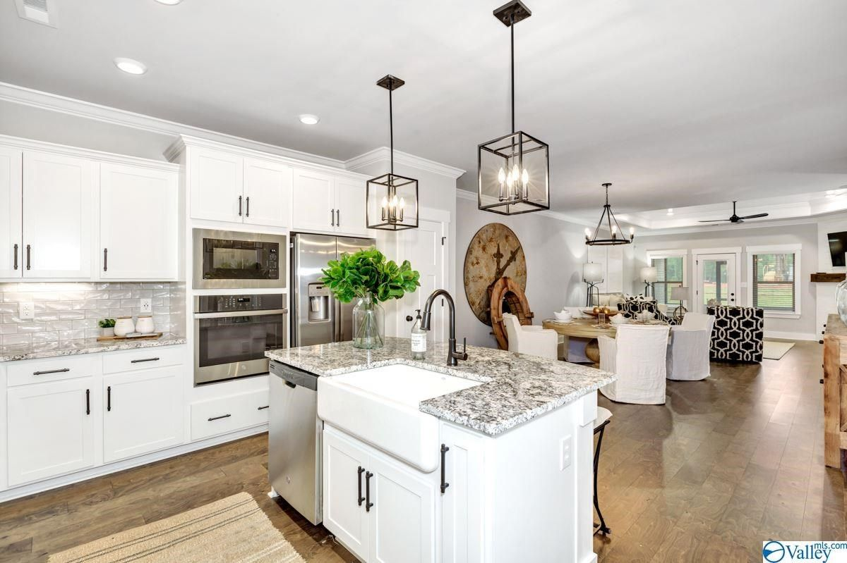 Valley Mls In 2020 Shaker Style Cabinetry Floor Plans Ranch Find Homes For Sale