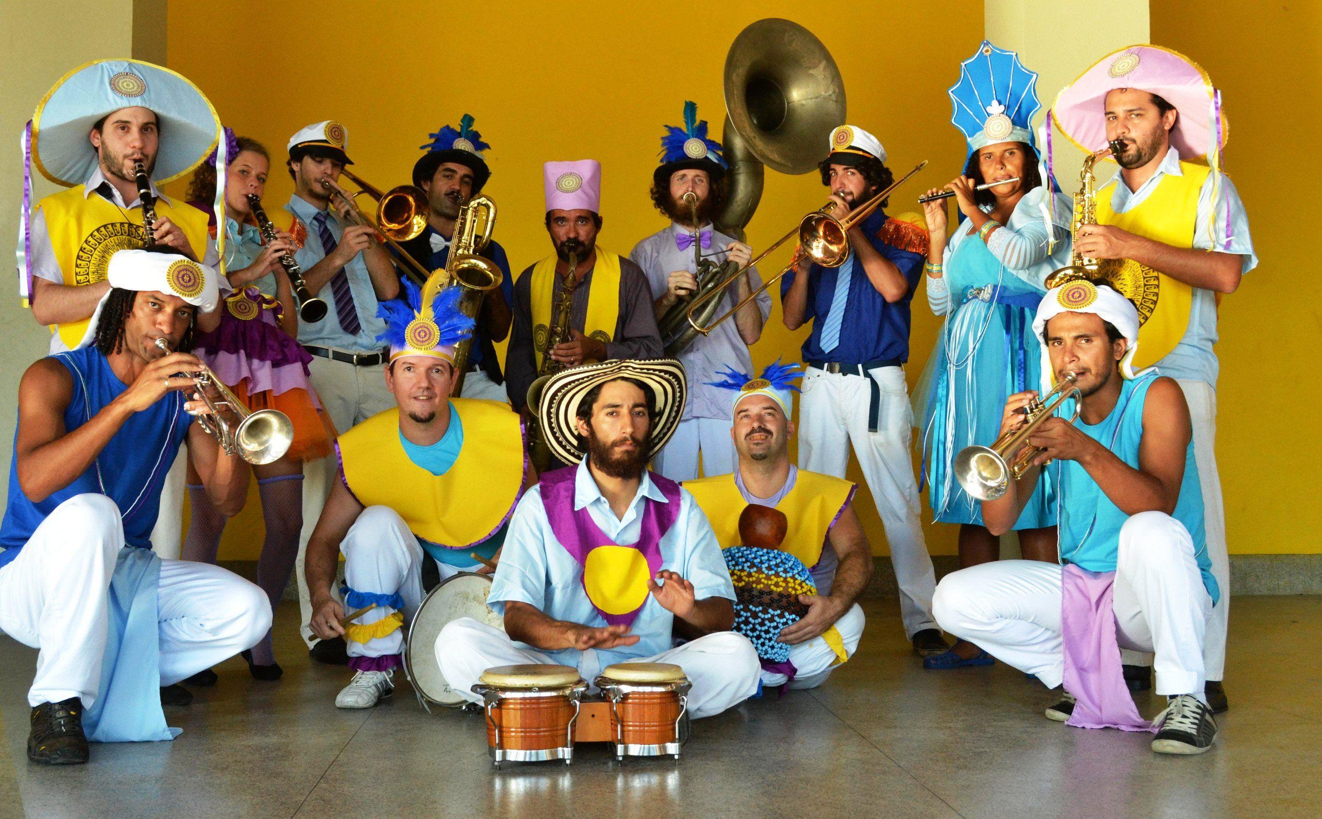 O projeto leva à unidade shows latinos, com muita cúmbias, salsas, boleros, merengues e MPB.