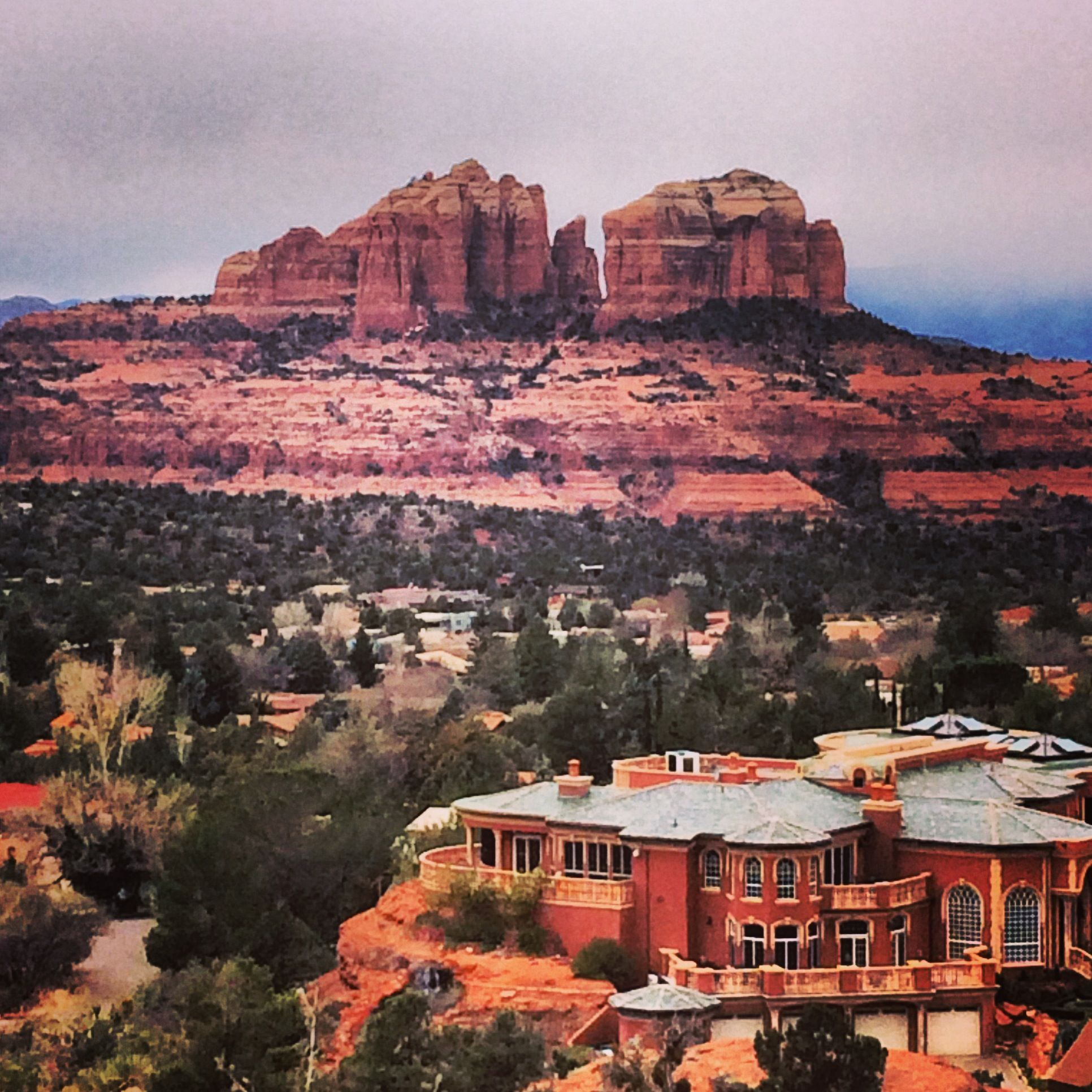 Your weekend guide to fun things to do, events, entertainment and Valentine  celebrations in Sedona, Arizona.