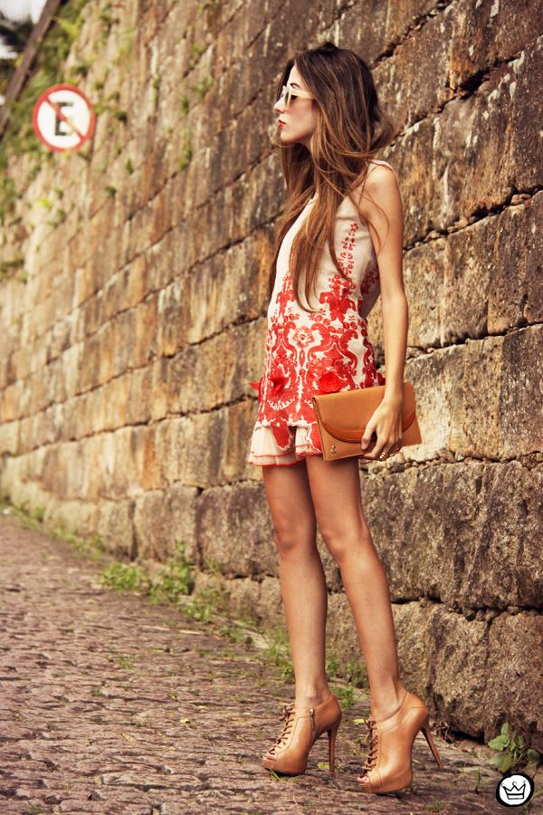 http://fashioncoolture.com.br/2013/04/08/look-du-jour-roses-are-not-red-and-i-never-loved-you-2/