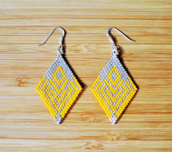 Earrings Pendant (6cm approx) fasteners in 925, diamond chart pattern shape. Weaving made peyote Miyuki Delicas hand (Japanese high quality glass beads)