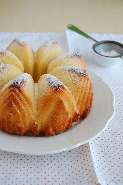 코코넛 오렌지 티 케이크