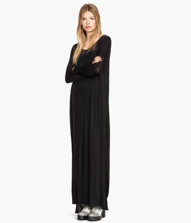 Long jersey dress £14.99 DESCRIPTION Long jersey dress with a slightly transparent yoke and long sleeves that is completely open at both sides. Unlined. DETAILS 100% viscose. Machine wash at 40˚