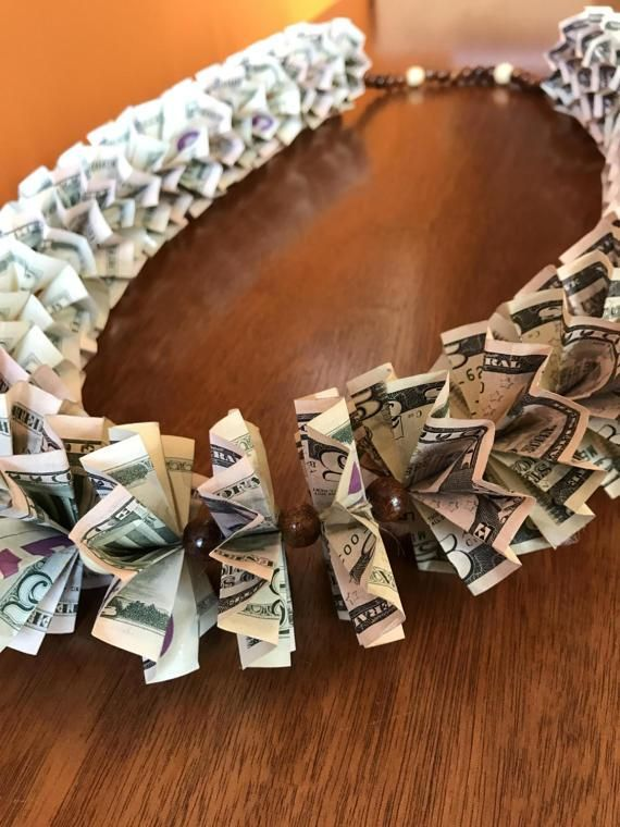 Made With Real Five Dollar Bills Luxury Hawaiian Money Lei Wood Beads Contains 200 In 5 Graduation Class Of 2017 By FoldingPandas
