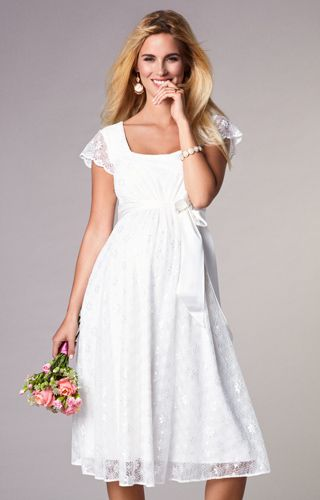 65bca475981 The perfect maternity wedding dress for a relaxed