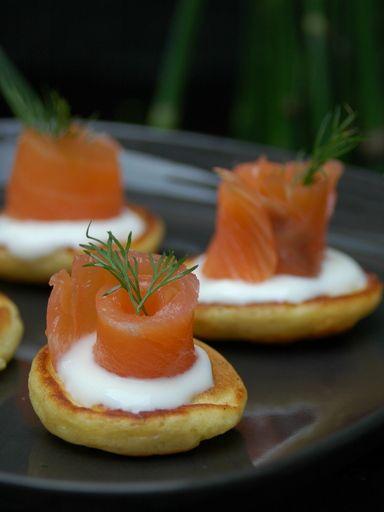 blinis au saumon fum recipe in 2019 no l 2015. Black Bedroom Furniture Sets. Home Design Ideas