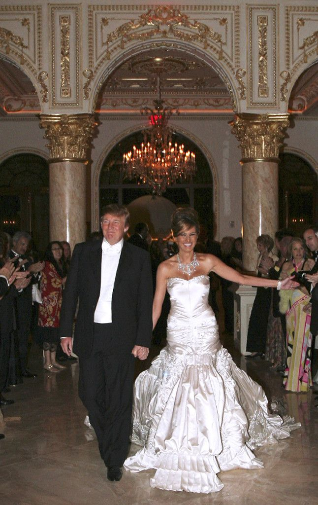 The Most Expensive Celebrity Weddings By The Numbers From 80 000 Cakes To 500 000 Dresses The Finishing Touches That Break The Bank E Online Celebrity Wedding Dresses Melania Trump Wedding Dress Melania Trump Wedding