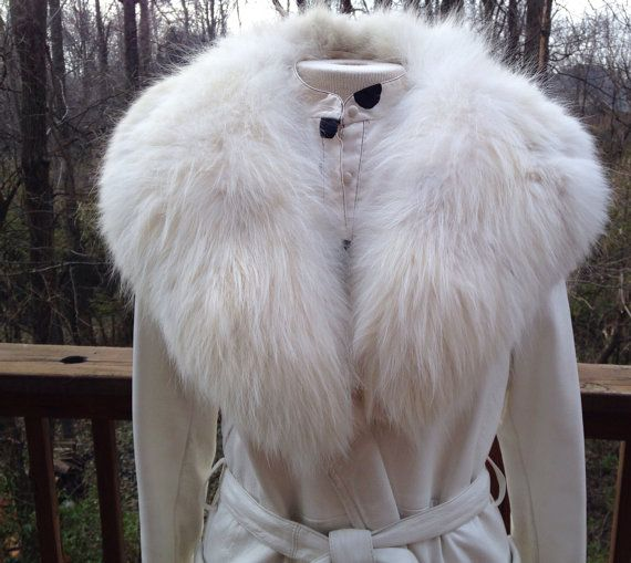 Vintage 1970s white leather coat. Fur collar. Robert Meshekoff ...