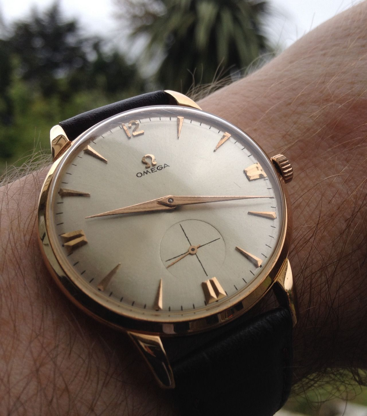 Beautiful vintage omega tresor dress watch in 18k solid gold circa 1940s watches pinterest for Vintage gold watch