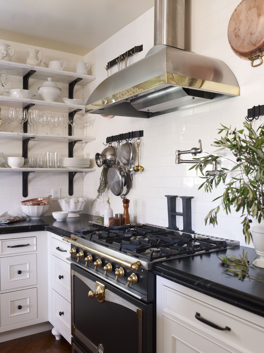 View Of Le Cornue Range And Cooktop Cultivate Com