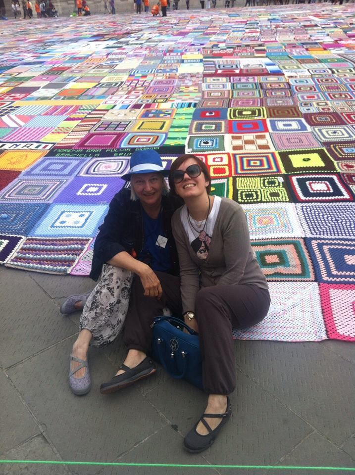 Ooh, I was right! This is the world's largest crocheted rug!!