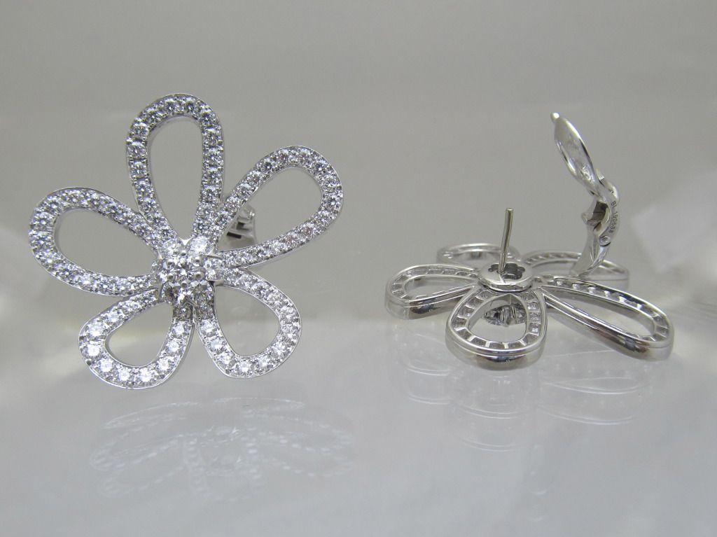 d65f8866426 Van Cleef   Arpels Large Flower Lace Diamond Earrings image 3