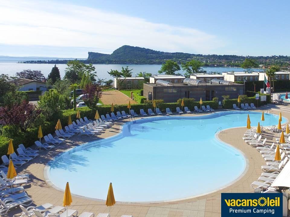 5Sterne Camping Europa Silvella liegt direkt am Gardasee