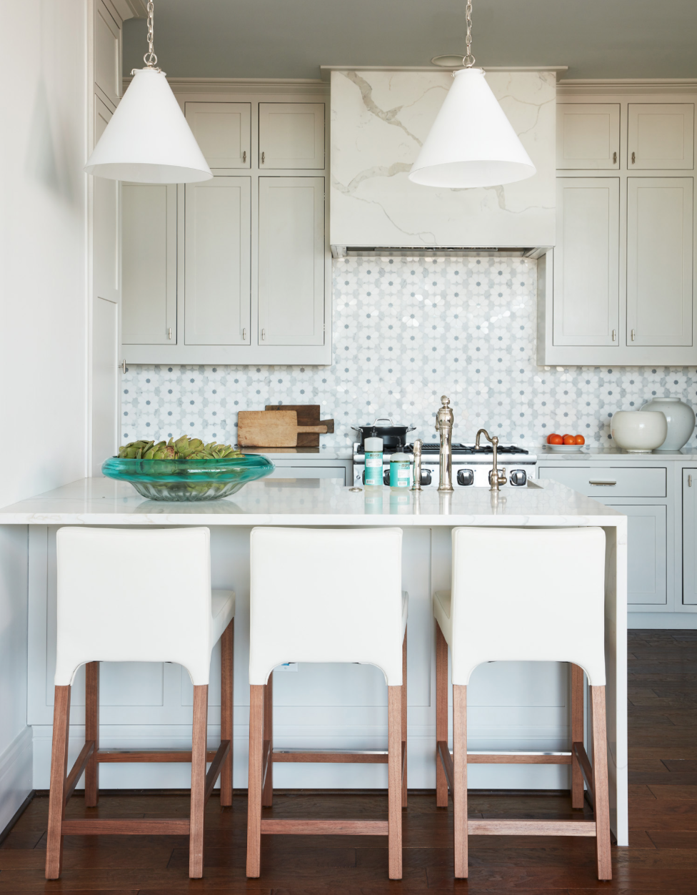House Tour: Andrew J. Howard Interior Design | House tours, Kitchens ...