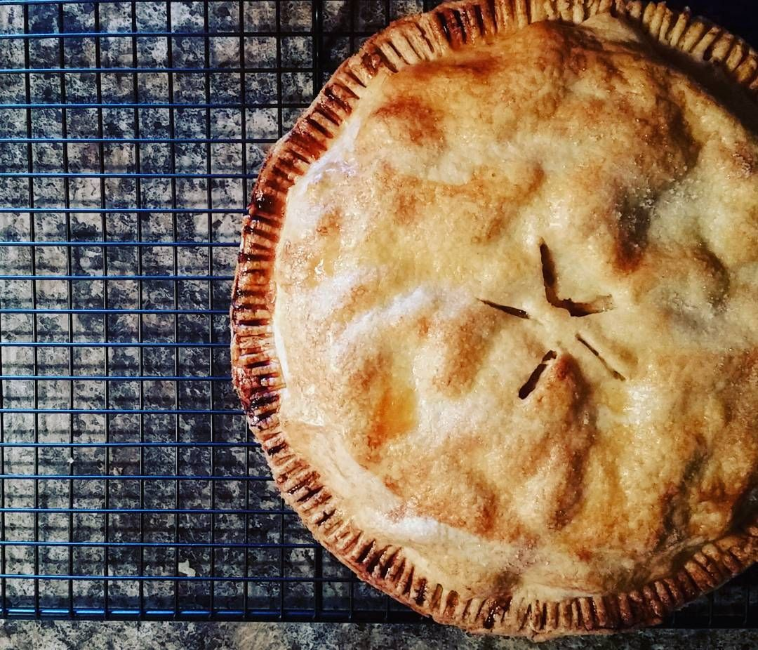 A trip to the orchard on #thanksgiving weekend must be followed by the baking of a pie #gastropost #givingthanks #pie #dessert #apples #ontario #fresh #local #homemade #homecook #toronto #torontopie #torontofood #sweets #myfirstpie