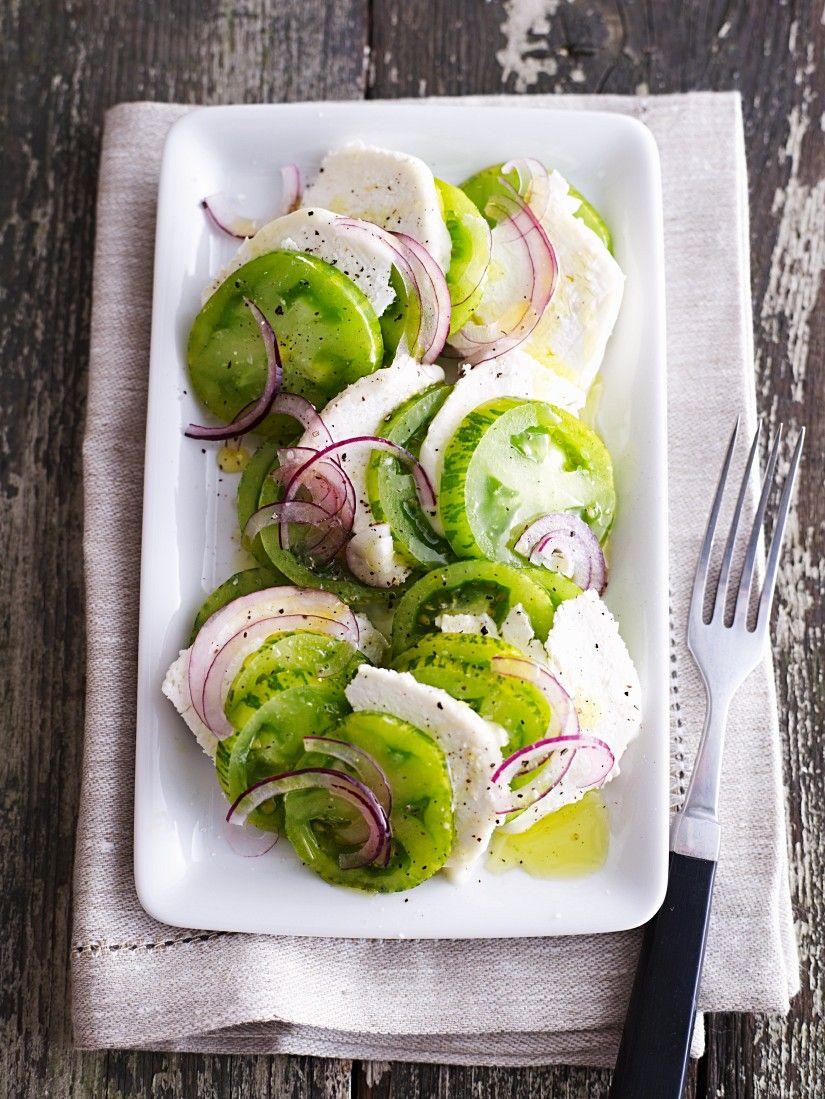 Grüner Tomatensalat | http://eatsmarter.de/rezepte/gruener-tomatensalat