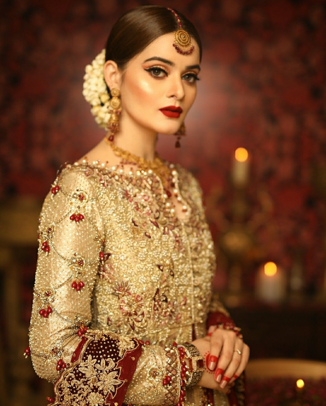 golden bridalwear | hair styles | pakistani wedding dresses