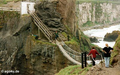 Carrick-a-Rede rope bridge. Giants Causeway  ......question is if you could get this american to cross that rope ridge >___>
