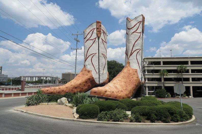 Bob 'Daddy-O' Wade: The Man Behind Texas' Larger Than Life Art