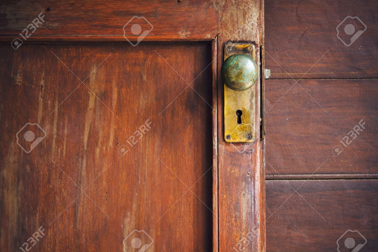 8880937 Door Knob And Keyhole Made Of Brass
