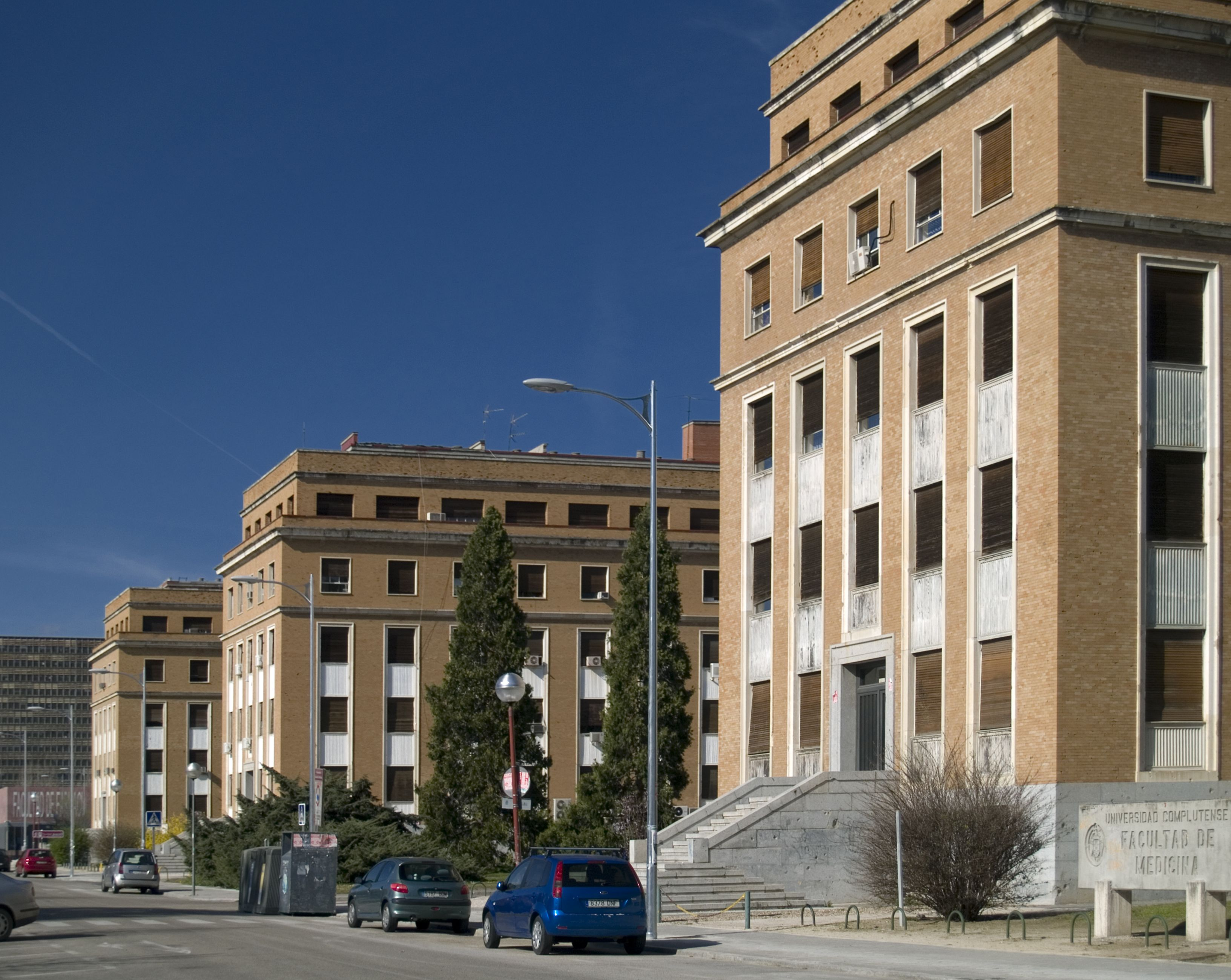 Facultad de Medicina de la universidad Complutense #arquitectura #madrid