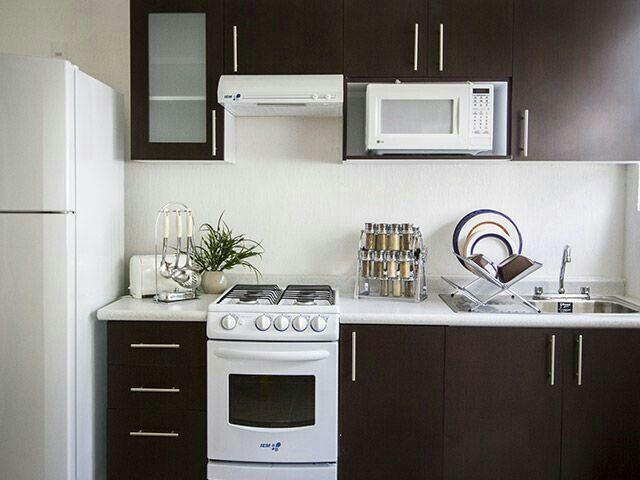 Pin de carla rivera en cocina pequenas pinterest for Modelos y colores de cocinas