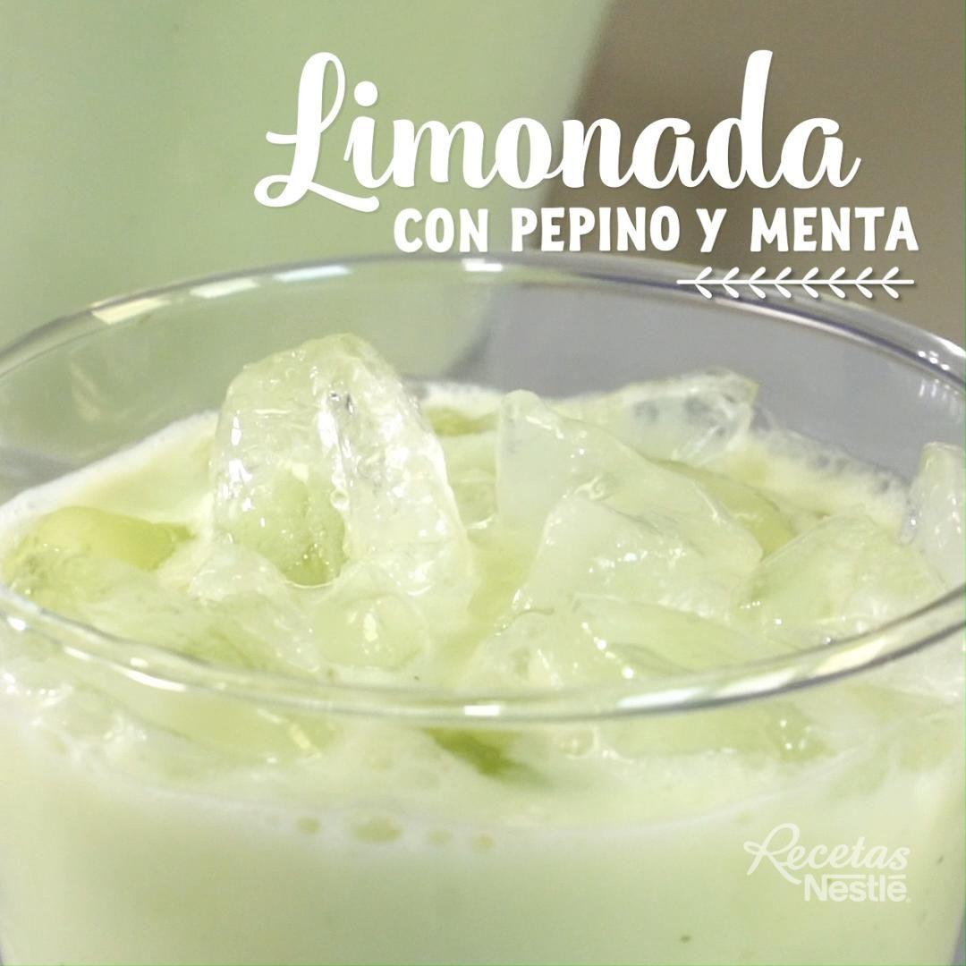 Refréscate con esta rica #LIMONADA con #PEPINO y #MENTA #InspírateEnCasa