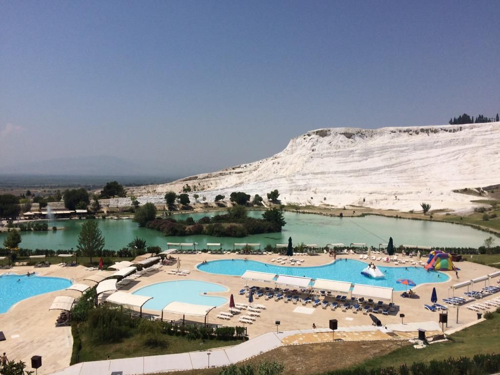 There is no sea in #Pamukkale but even from those pools views are more than just amazing :-)
