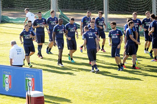 Players of Italy during the training session at Coverciano on October 5, 2016 in Florence, Italy.