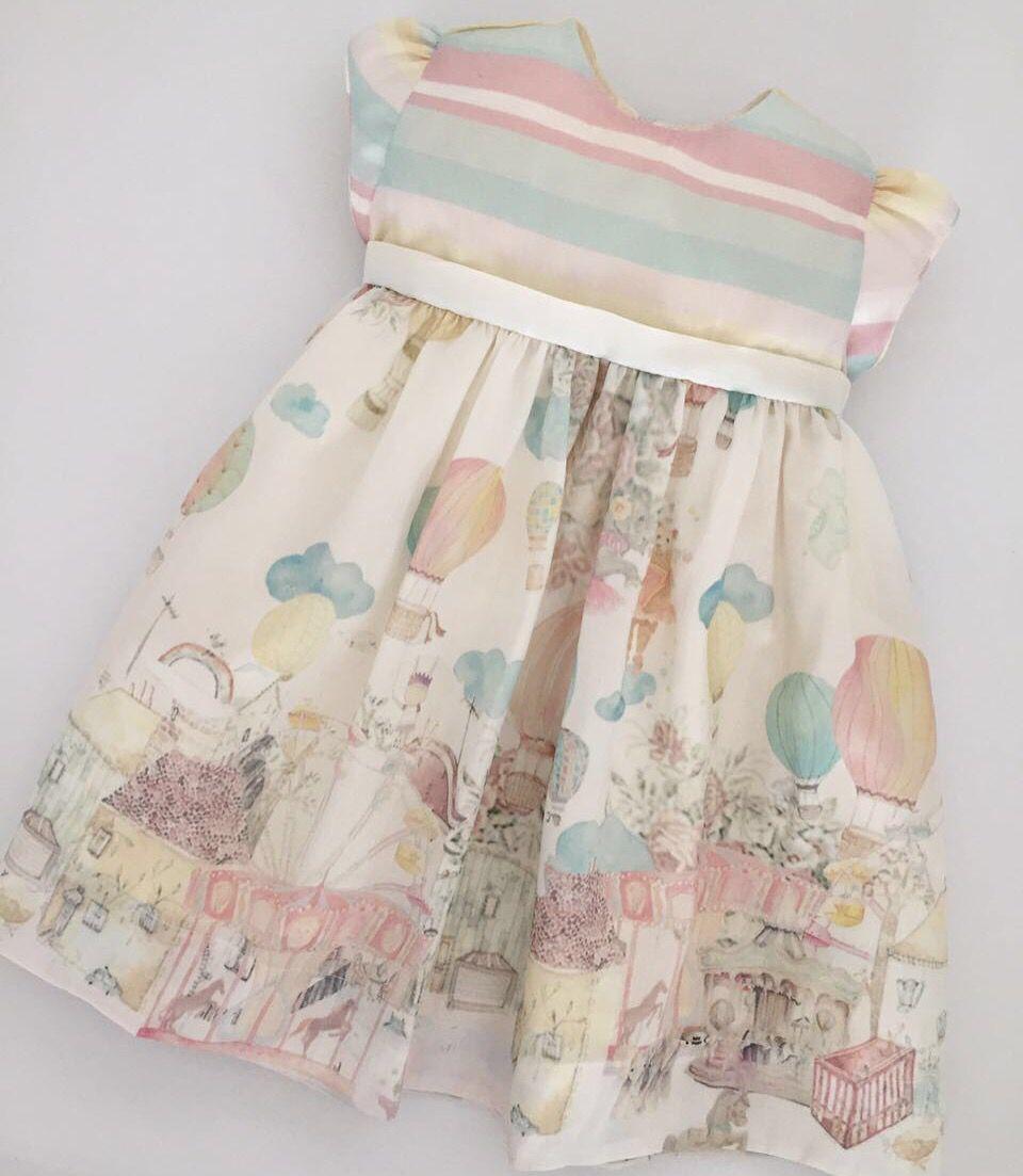 Gente, estou sonhando com este vestido da @elittlechildren para minhas filhas. Para pedir, basta acessar o site 👉🏼elittlechildren.socialbuy.com.br