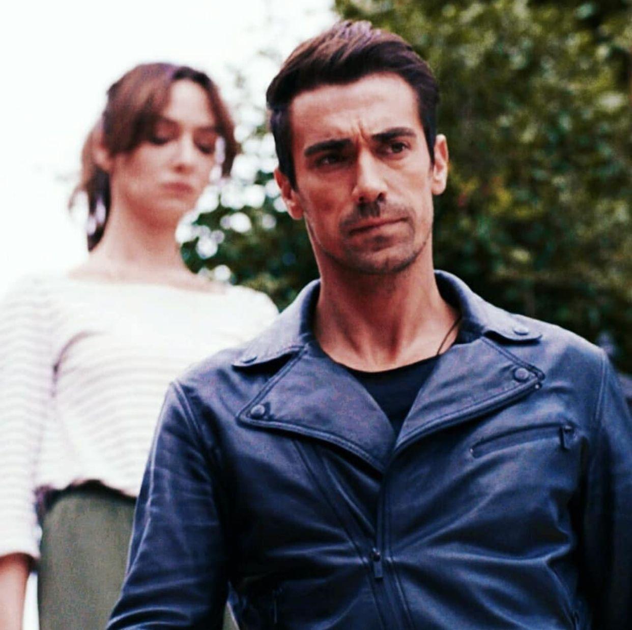 Siyahbeyazask Ibrahimcelikkol Birceakalay Asfer Turkish Actors Black And White Love Actors