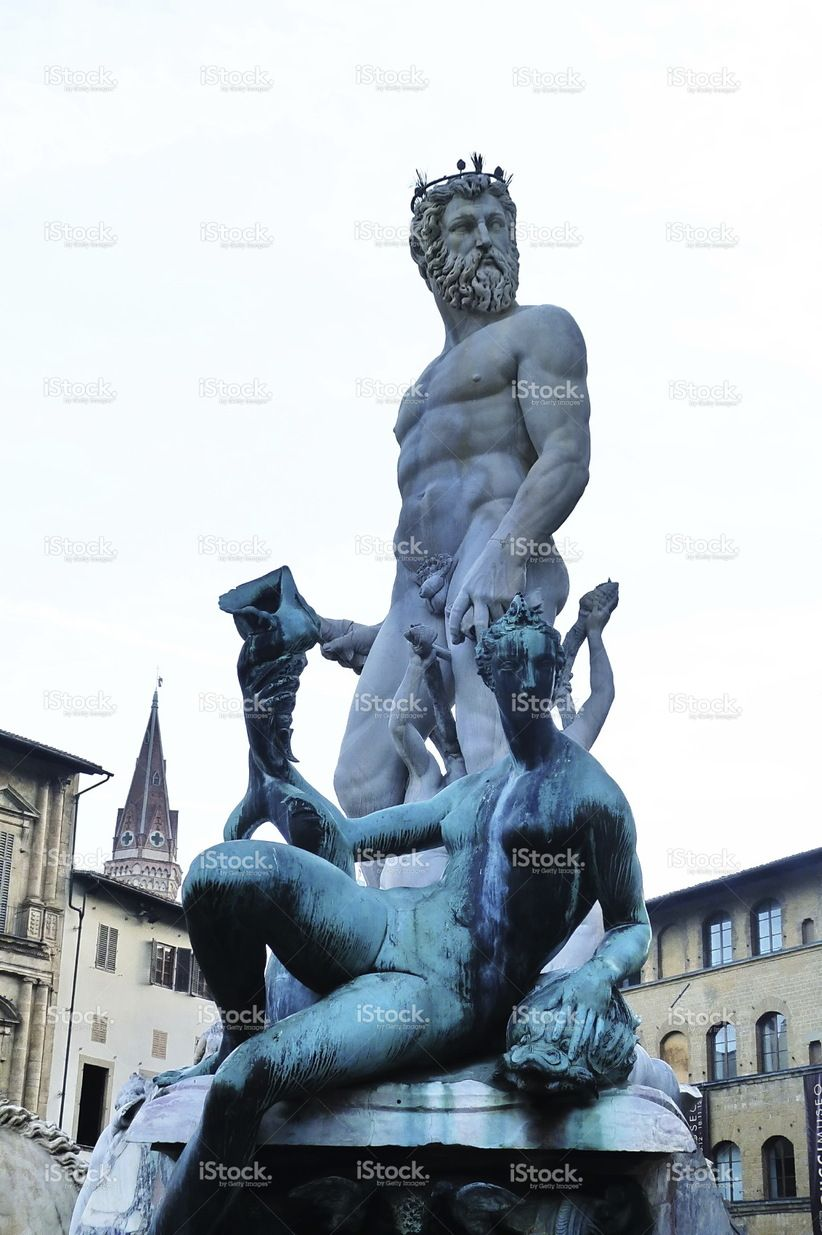 https://secure.istockphoto.com/photo/statue-of-neptune-piazza-della-signoria-florence-italy-gm515923924-88747751