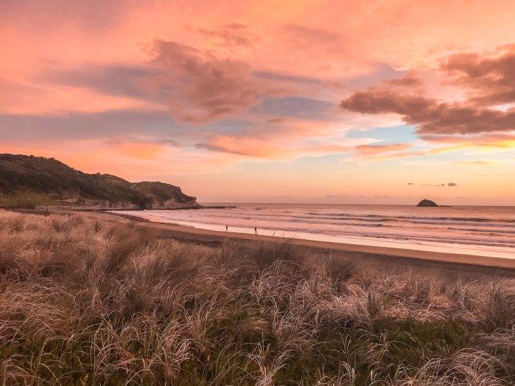 Muriwai Beach Sunset New Zealand In 2020 Sunset Nature Muriwai Beach Sunset Landscape