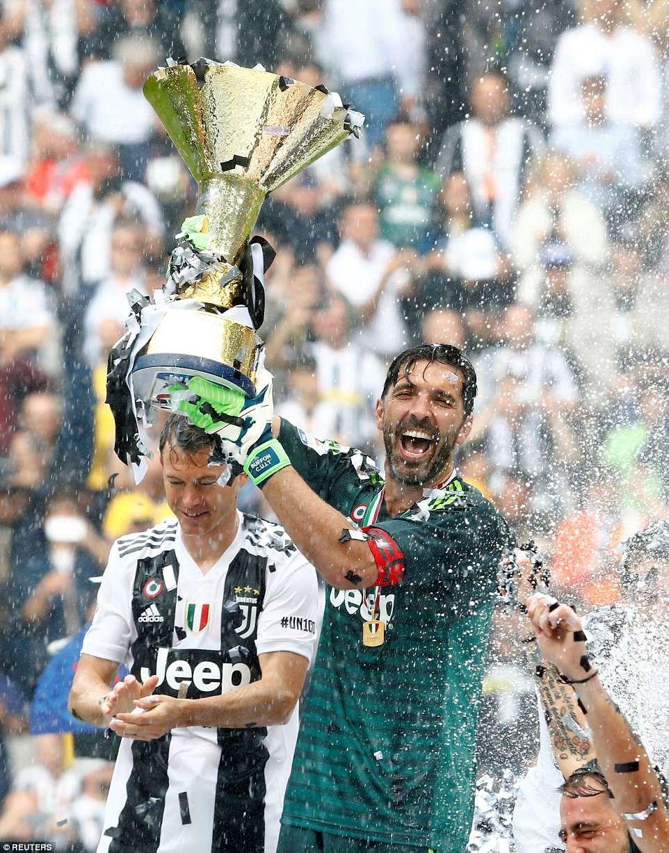 Juventus 21 Verona Gianluigi Buffon goes out with a win
