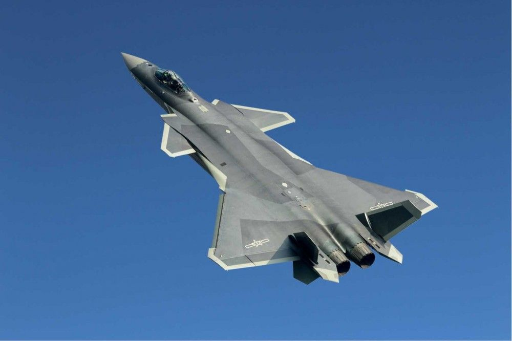 The-Chengdu-J-20-was-shown-off-by-China-at-the-Zhuhai-air-show.-Image-courtesy-of-Wikipedia.-e1478107293833.jpg (1000×666)