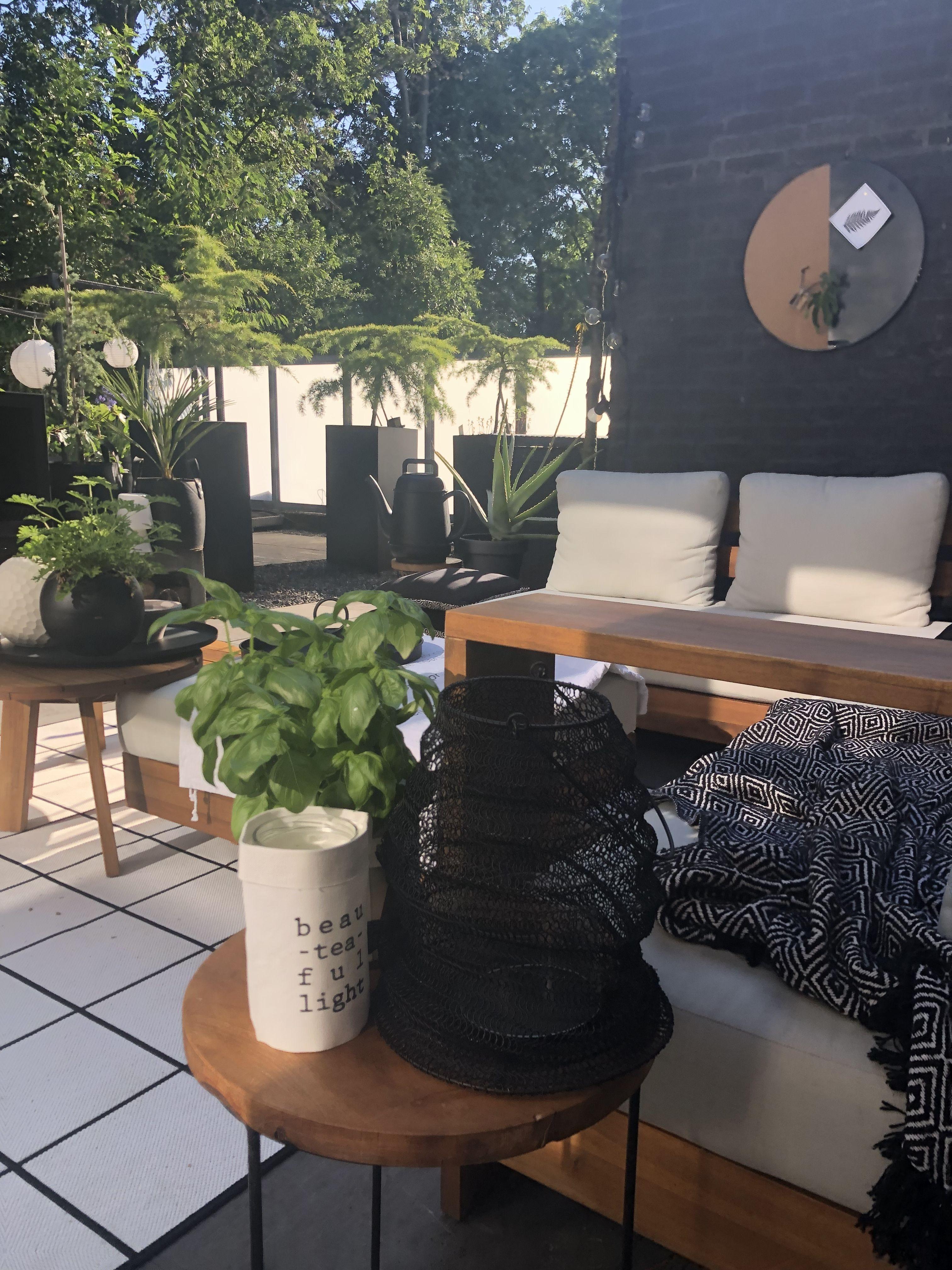 #garden #gardeninspiration #gardenideas #tuin #tuininspiratie #loungebank