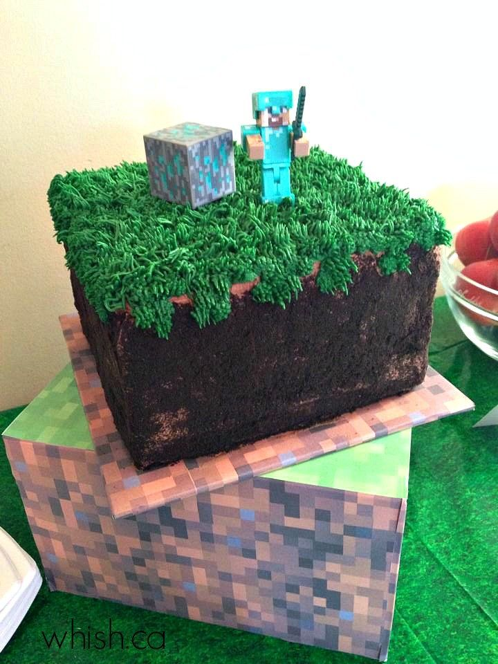 Super easy Minecraft cake for a Minecraft inspired party | Whish.ca