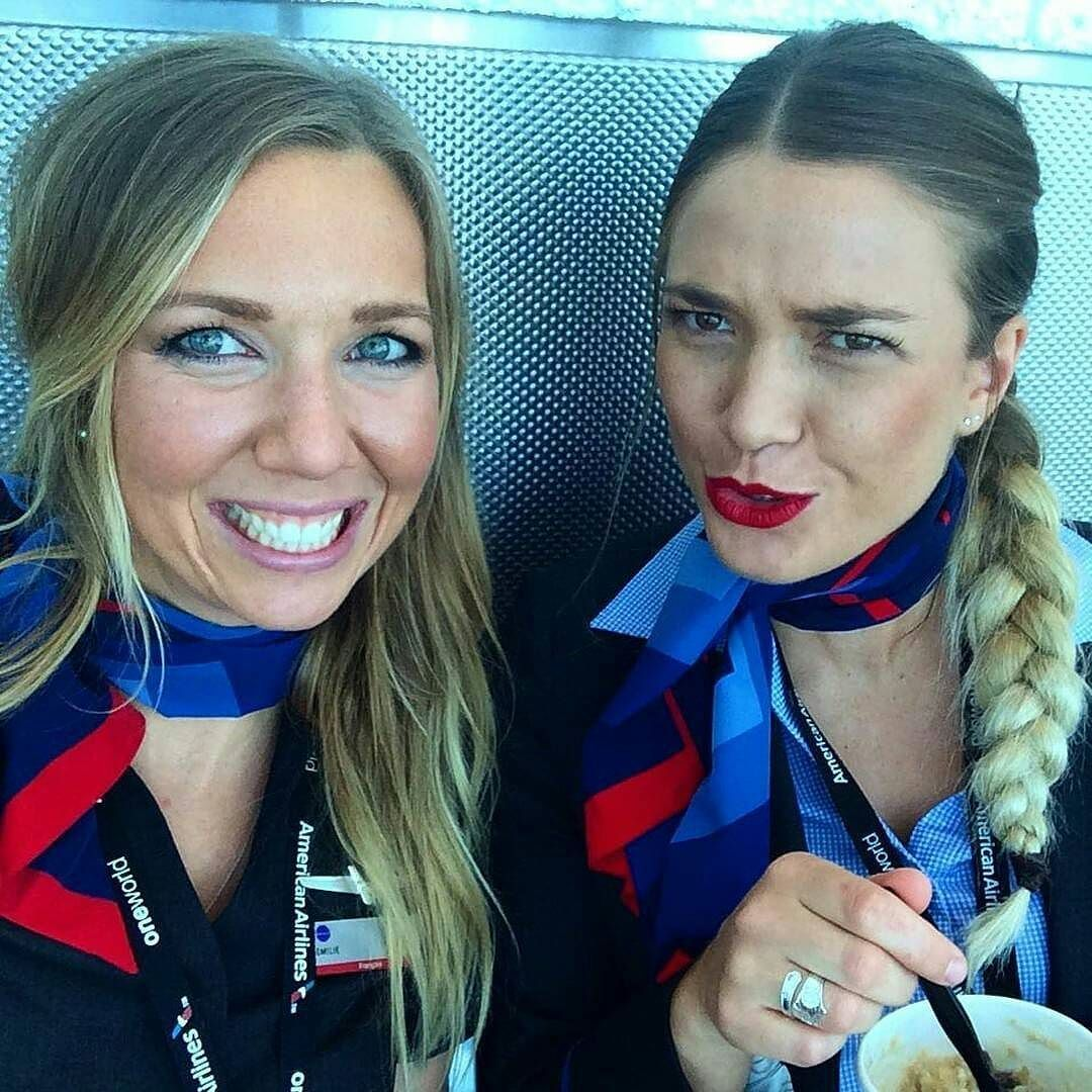 @emilliepix #crewlife #airhostesse #aircrew #crewiser #cabin_crew  #Stewardess #uniform #Airbus #boeing #trollydolly #airtravel #inflight #inflightcrew #airtravels  #cabincrew