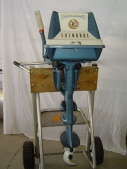 Antique Outboard Museum Evinrude 5 5 Hp Outboard Vintage Boats Outboard Motors