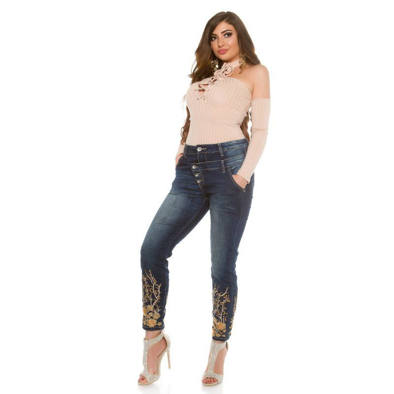 b3a2b222b22c Dámske džínsy pre moletky s výšivkami