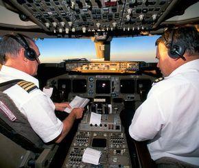 تيربو العرب آخر أخبار السيارات العربية والعالمية صور سيارات فيديو سيارات Flight Deck Air New Zealand Boeing 747