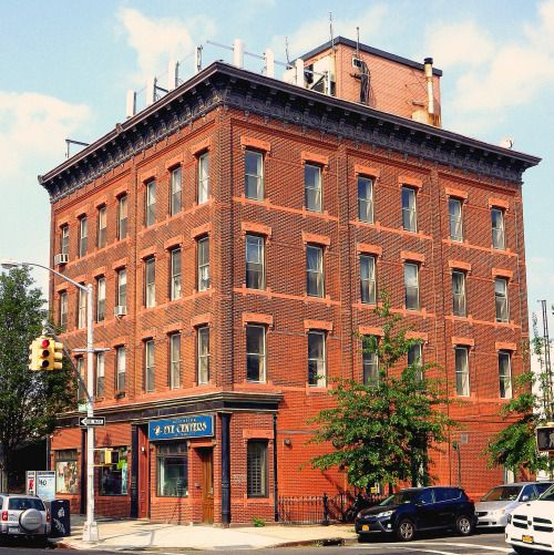 Williamsburg Apartments: An Apartment House And Storefronts In Williamsburg