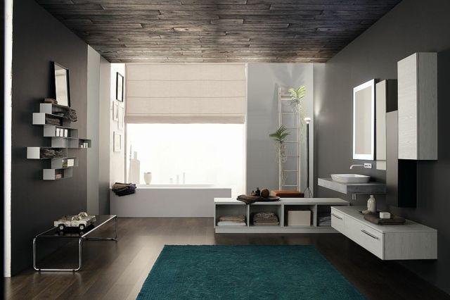 Italienisches Design im Badezimmer und eleganter Wellnessbereich ...